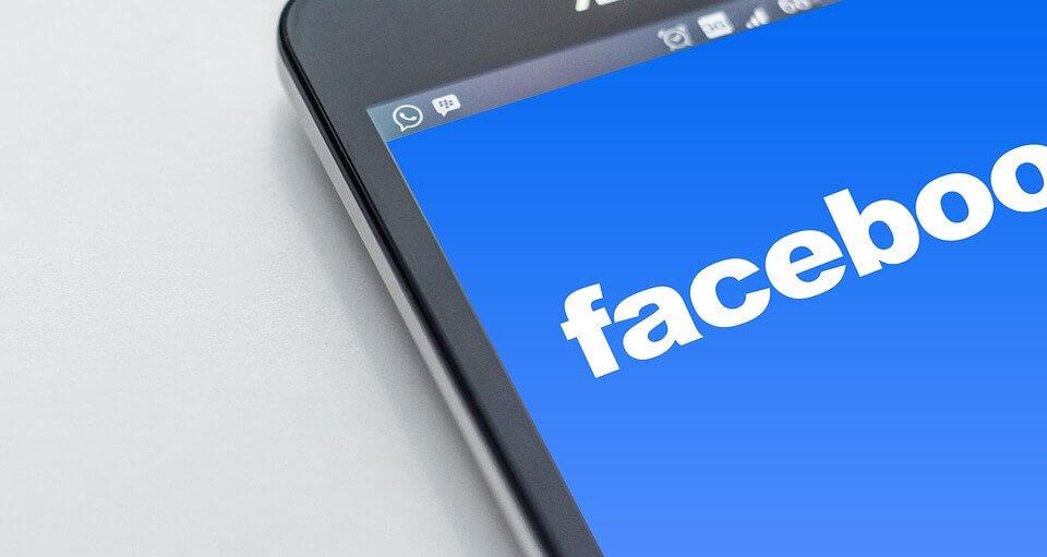 Strona mobilna vs. strona responsywna